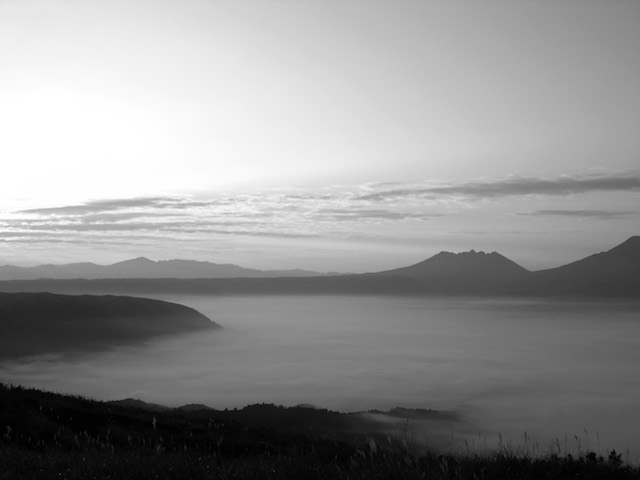 山はもうすぐこんな季節だよ。早朝のGIFT。