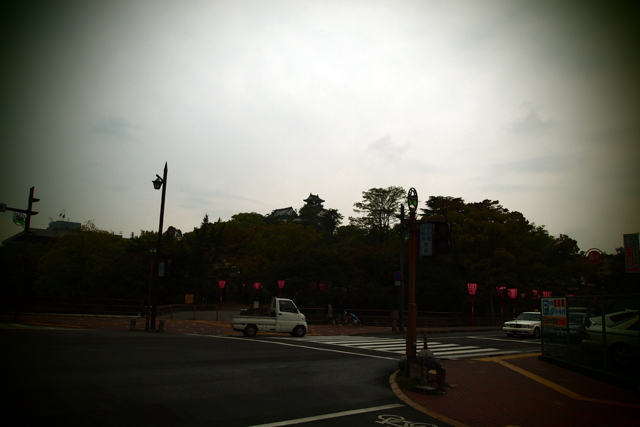 高知城。しかし、しょーもない写真だなぁ。