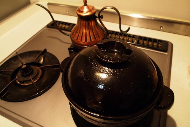 なので、玄米粥を土鍋で炊いてみた。美味いねー。