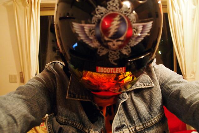 帽子、似合わないんだよねー。ヘルメットで行くか。