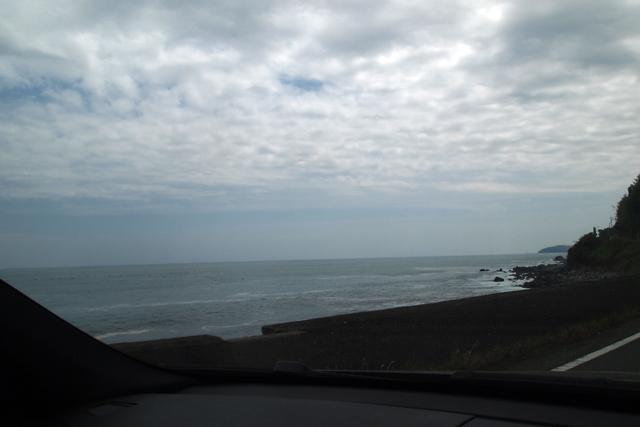 オレは伊豆半島をナメてたと思う。熱海や沼津から先には行ったことがなかった。てな訳で、オレんちからずんずん海沿いを走る。