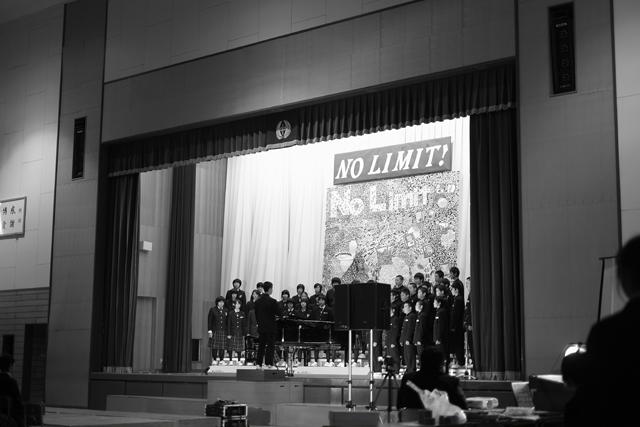 学年、各クラスによる合唱。