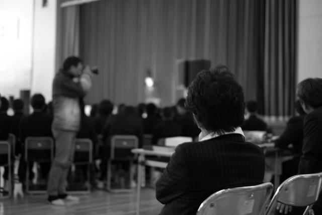 このガイガーが出てくる劇が素晴らしくてね。観劇中。撮影、古澤純一郎。以下、同。