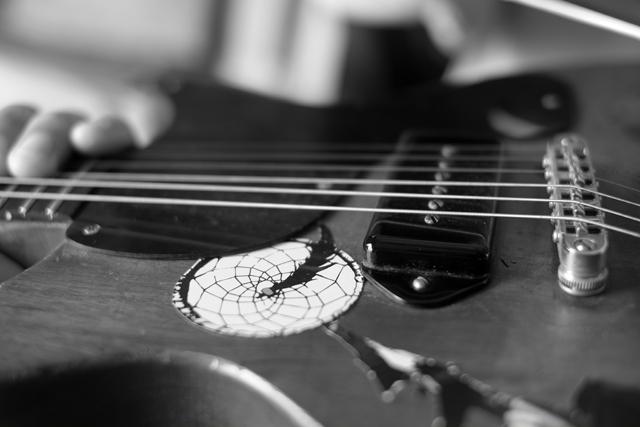 ギターっつーか、家具っすよ。