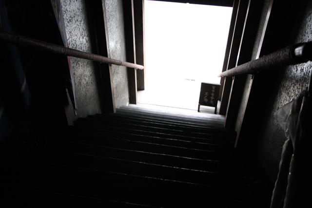 階段も気合い入ってます。