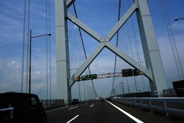 また関門橋を渡る。苦笑。