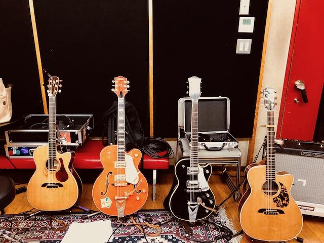 ギター・ジャンボリーになること間違いなし。笑