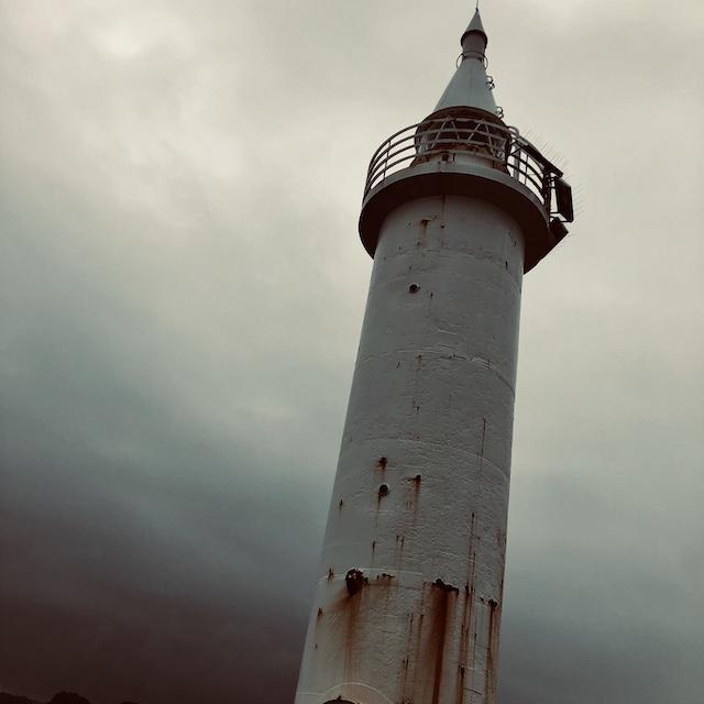 朝7時。灯台まで歩いた。悪くなかった。