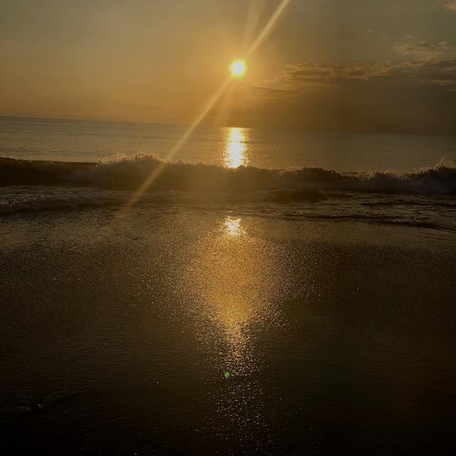 海の近くに住んでるのはいいよ。アホなともだちとバカ話してるだけで癒される。